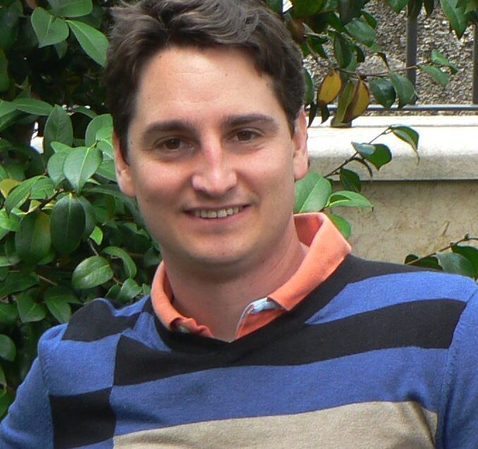Gregorio Robles